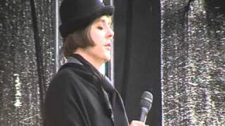 "Henrik Berggren joins Anna Ternheim to sing ""Shoreline"" at Way Out West 2010"
