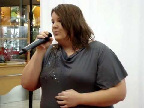 Hier bin ich beim yourchance casting sollte was vorsingen und hier das ergebnis ;) ich hoffe euch gefällt meine stimme danke fürs schauen  wenn's euch gefällt, lasst nen daumen und kommi da und abo nicht vergessen ;) wenn ihr wollt muss mich auch hier nochmal für die mikroausfälle entschuldigen wie gesagt fremdmikro  Facebook: http://www.Facebook.com/SabrinaFinzel Facebook: https://www.facebook.com/FinSabsi Twitter: https://twitter.com/SabsiFin Ask: http://ask.fm/SabsiFin Sedcard: http://www.yourchance.de/sedcard/BPMagdeburg09