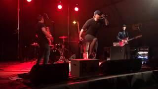 Video B_side - nohy nech na zemi live