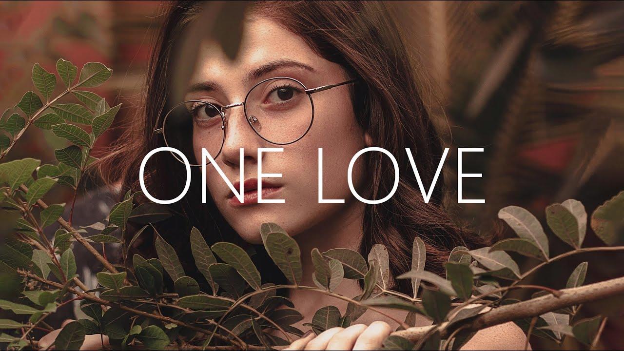 Lirik Lagu One Love - WINARTA dan Terjemahan