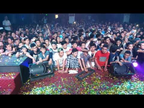 DJ Una Teebox Padang