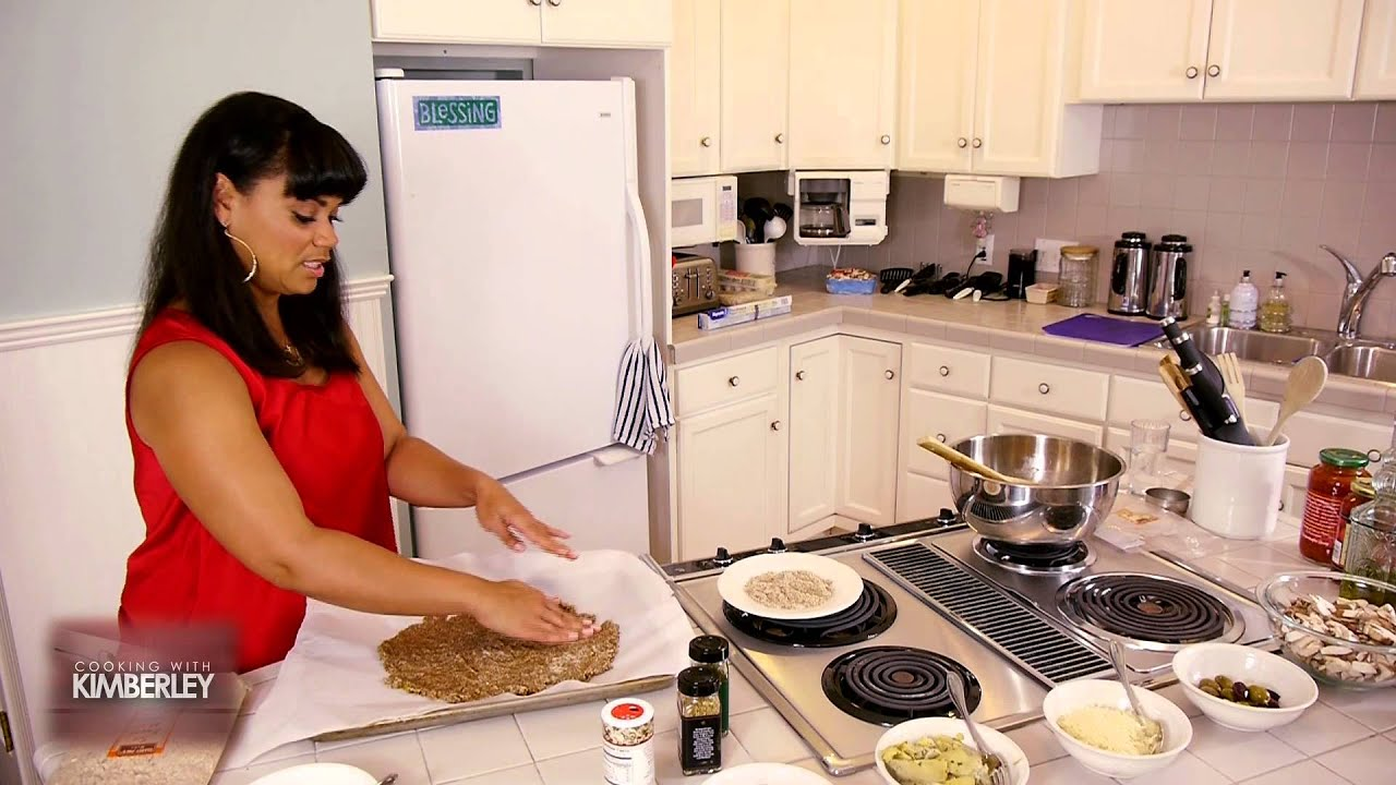 Cooking With Kimberley Locke - Pizza With A Twist