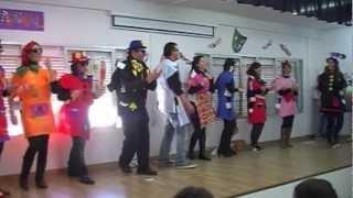 preview picture of video 'Carnaval IES Castillo Fatetar Espera Chirigota Profesoras_es 2012_13'