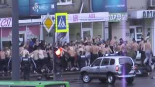 Массовая драка фанатов Динамо и Металлиста в Харькове 15.09.2013