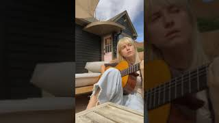 Hayley Williams -  Simmer (acoustic)