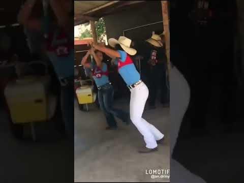 Forró Boys - Tampão do Carro (casais dançando)