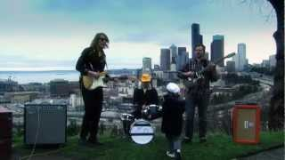 Branden Daniel & The Chics - Mor Yay