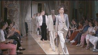 GIORGIO ARMANI PRIVÉ Paris Haute Couture Fall Winter 2018-19
