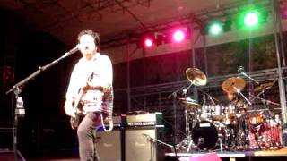 STEVE LUKATHER A SARZANA 28 7 2011 Can't Look Back   Part 2