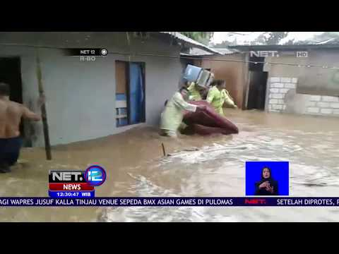 Banjir Bandang, Warga Ambon Coba Selamatkan Peralatan - NET 12