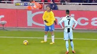 Ronaldinho'nun Ünlü Futbolcuları Rezil Eden İnsanlık Dışı Çalımları.