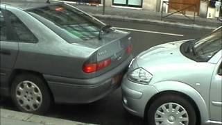 Смотреть онлайн Как паркуют автомобили во Франции