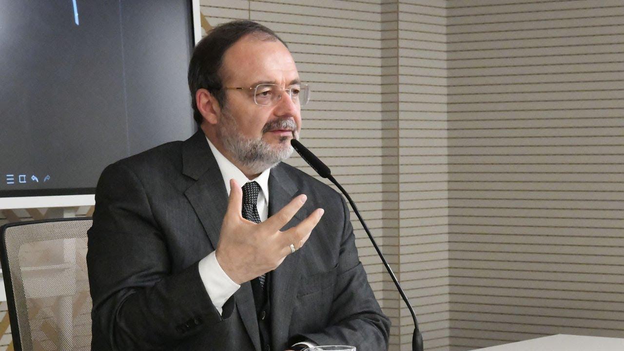 İDE Akademi ihtisas ve seminer programı, Prof. Dr. Mehmet Görmez'in açılış dersiyle başladı.