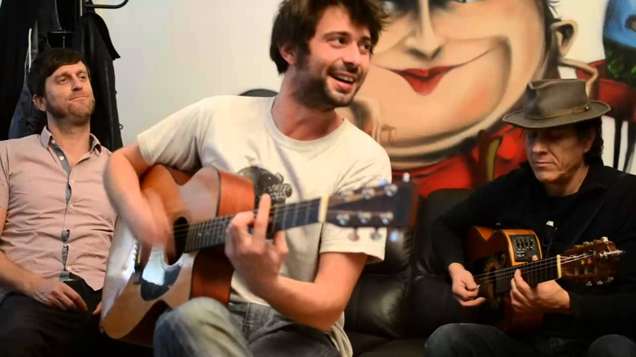 Les Hurlements d'Léo chantent Mano Solo !