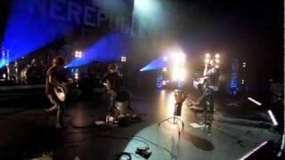 OneRepublic - Everbody Loves Me ( Live Walmart Soundcheck )