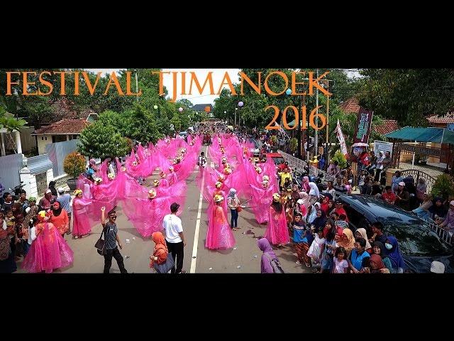sportourism.id - Carnaval-1000-Gadis-Ngarot-di-Festival-Tjimanoek-2016-Indramayu