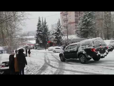 Массовые аварии в Сочи после снегопада