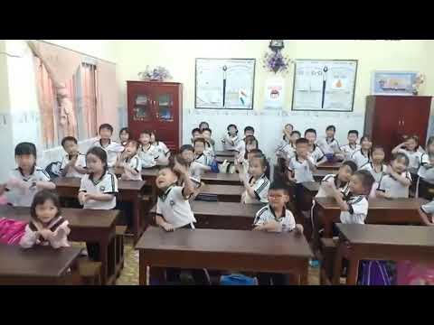Học sinh múa Baby Shark - lớp 1D trường TH Quang Trung năm học 2019-2020 cô Hoa