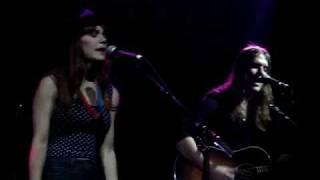 Jenny Lewis & Johnathan Rice - Love Hurts [QMU]