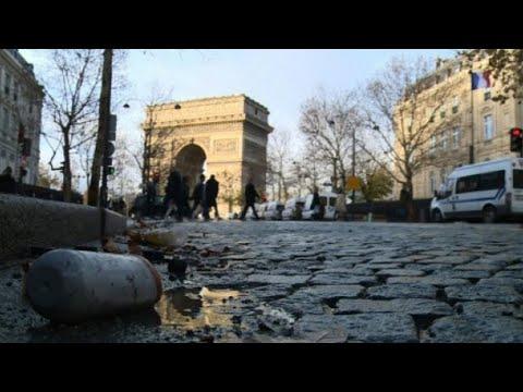 العرب اليوم - شاهد: كلفة أعمال التخريب التي طالت قوس النصر في العاصمة الفرنسية