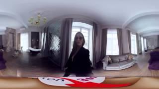 Оля делает селфи в тонком платье | VR 360