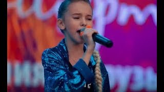 "Данэлия Тулешова в Алмате – ""Love on the Brain, Другие"" 27.05.18"
