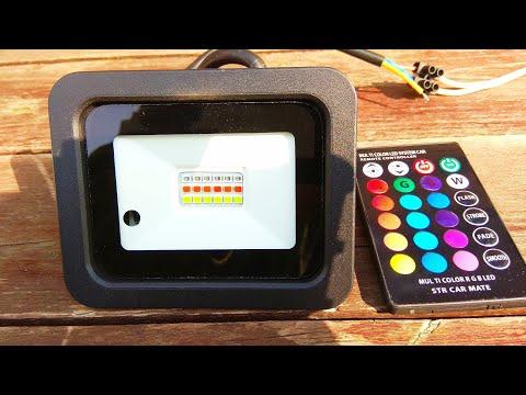 Светодиодный RGB прожектор с пультом ДУ / RGB LED floodlight with remote control