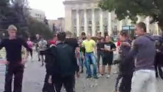 Русские пробежки Донецк перетягивание каната 09.09.12