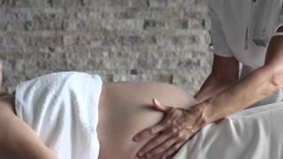 Cours De Massage De La Femme Enceinte à L'Académie De Massage Scientifique