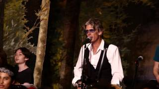 Charlie Sexton and the Barton Hills Choir - David Bowie's 'Heroes'