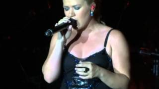 Kelly Clarkson - Breathe (2AM) (Anna Nalick cover) Thackerville, OK 08-04-12