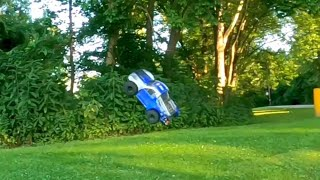 RC truck chasing in fpv and almost hit by truck ????