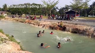 preview picture of video 'Sagil Parit 2 waterfall stream'