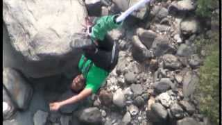 preview picture of video 'bungy jumping in nepal'