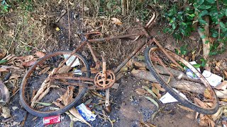 Old And Rusted Bicycle Restoration