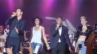 """""""Blurred Lines"""" Robin Thicke, Pharrell Williams whit Miley Cyrus & Leah LaBelle. (Live)"""