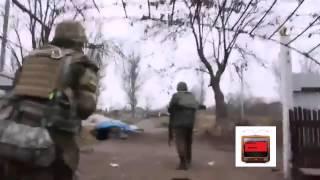 Кадры реальных сражений  ополченцы подбили БТР  Украина