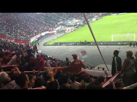 """""""Hinchada de estudiantes vs Barcelona de ecuador EDLP 0 BAR 2"""" Barra: Los Leales • Club: Estudiantes de La Plata"""