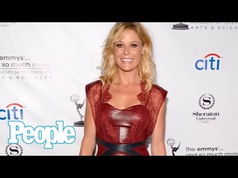 Julie Bowen (Hilariously) Reacts to Her Past Red Carpet Looks | Celeb Style | People