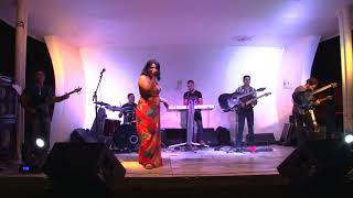 Carol Figueiredo (I put a spell on you – Joss Stone).