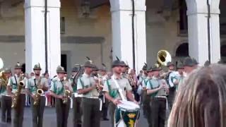 Италия. Турин. Праздник. Гимн Италии