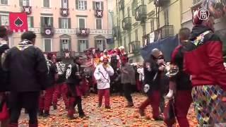 Италия: 500 тонн апельсинов на уличные бои (новости)
