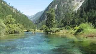 Video : China : Tranquility at JiuZhaiGou National Park