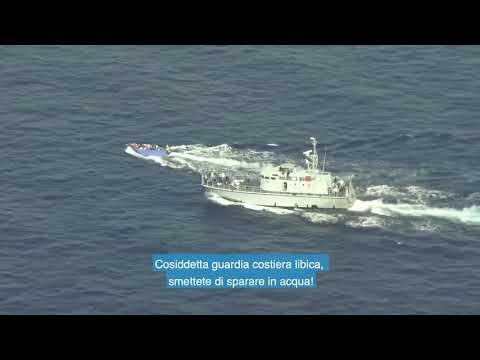 Così i guardacoste libici hanno tentato di speronare e sparare su un barcone