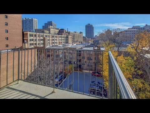 A Lakeview East studio with a balcony #6E at 441 W Oakdale