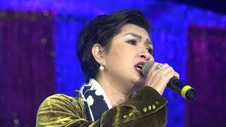 Nguyễn Hồng Nhung với nhạc phẩm của Việt Khang Anh Là Ai tại chùa Tịnh Luật Houston, TX