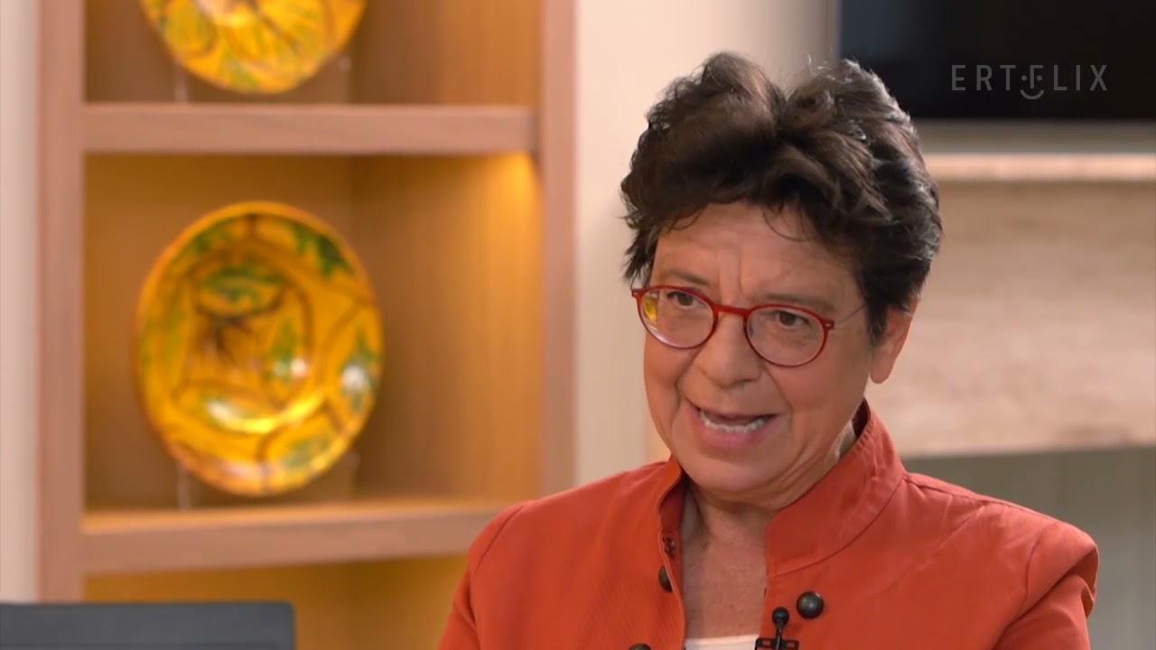 Μαρία Ευθυμίου : Η μητρική γλώσσα είναι πατρίδα   27/06/2021   ΕΡΤ