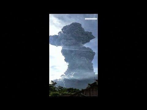 العرب اليوم - شاهد: لحظة ثوران بركان جبل