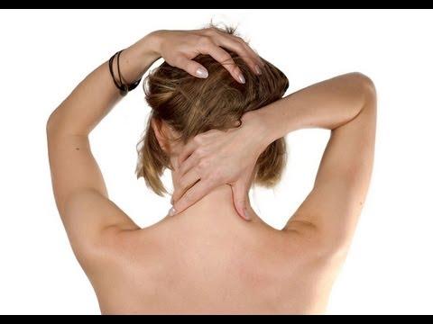 I danni del collo danno a un orecchio e un occhio