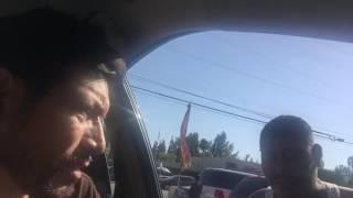 Hombre de Guatemala Hablando Chino